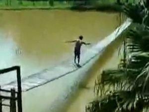 За водкой по мосту