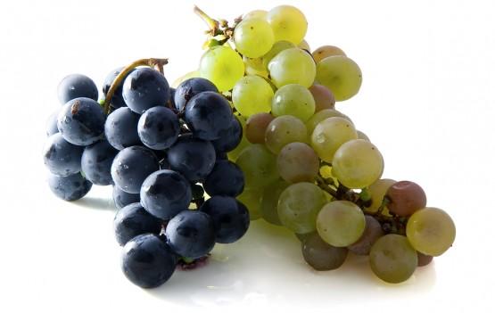 Виноград (в том числе изюм и смородина)