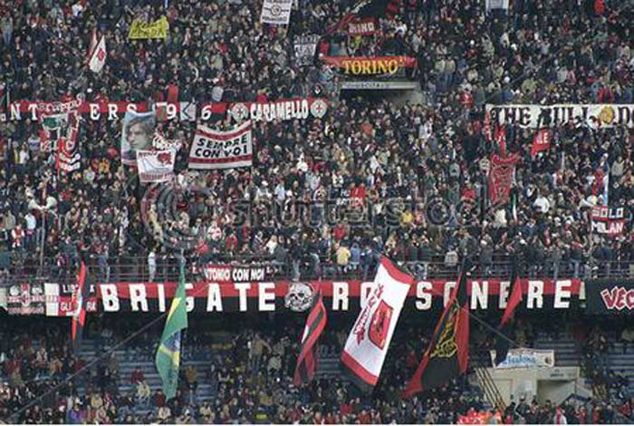 Болельщики AC Milan «Бригатте россо-нерри»