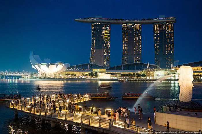 Париж и Сингапур