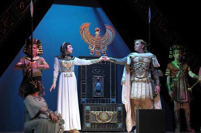 Юлий Цезарь и Клеопатра