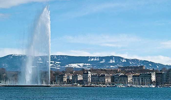 Фонтан «Jet d'Eau» в Женеве (Швейцария)