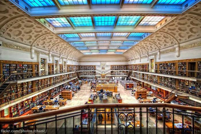 Канадская библиотека и архив (Library andArchives Canada)