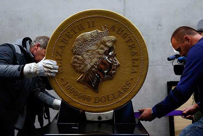 Монета «Королева Елизавета II» г.
