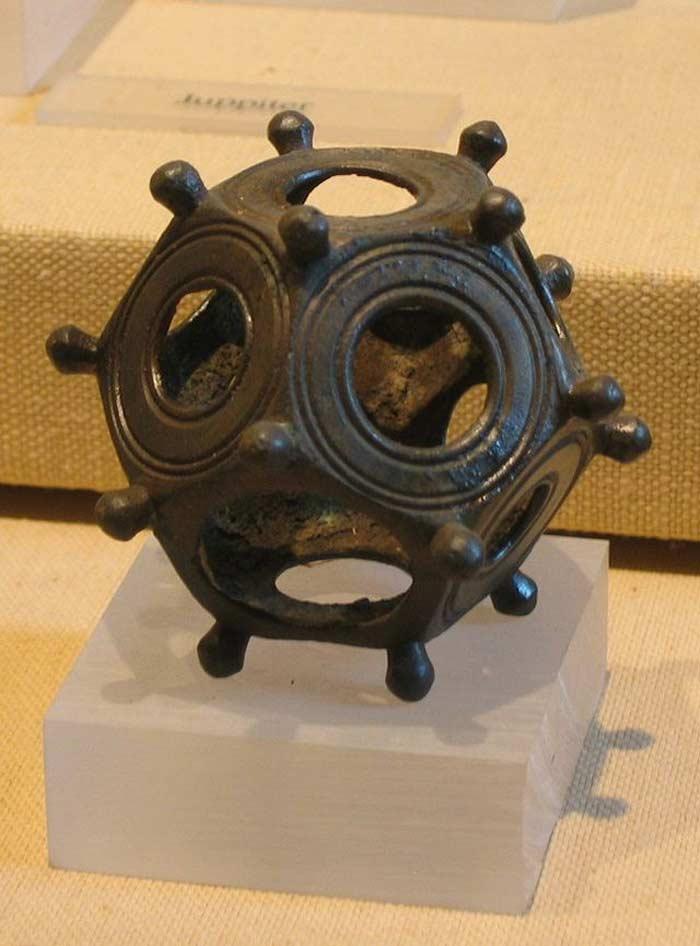 Римские додекаэдры