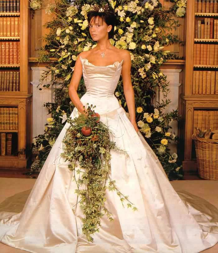 Свадебное платье от Веры Ван, $100000 (Виктория Бэкхем)