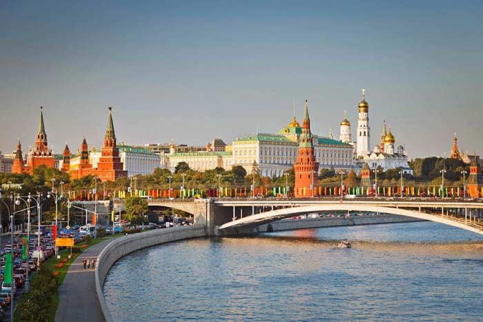 Москва, город и река (Россия)