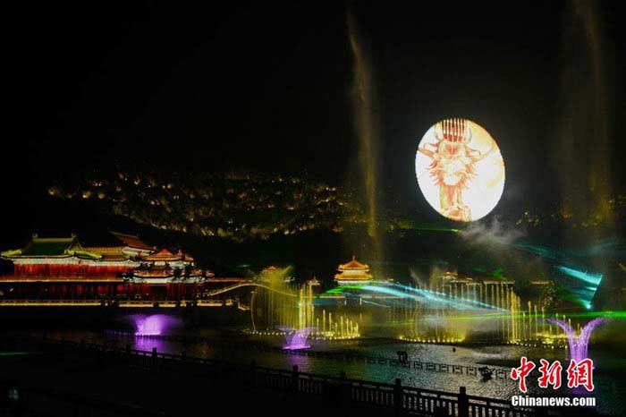 Крупнейшее лазерное шоу в Восточном полушарии