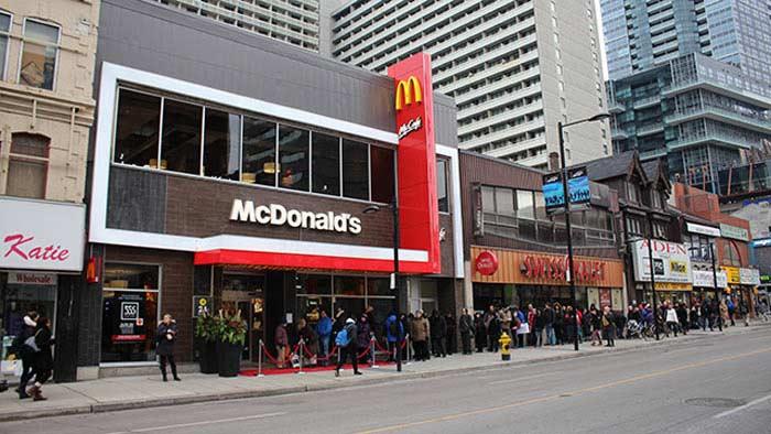 McDonald's (Торонто, Канада)