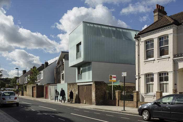 Скользящий дом в Лондоне