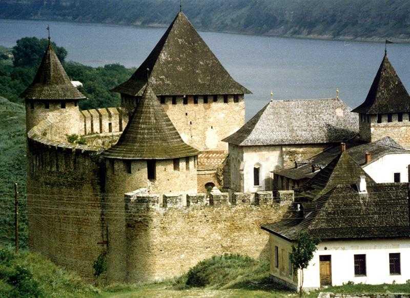 Замок Хотин