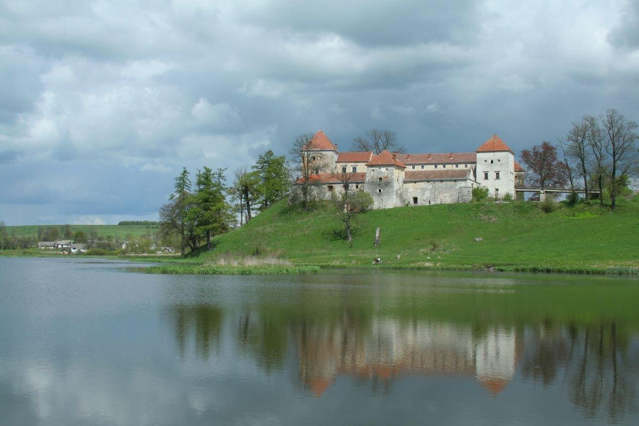 Замок Свирж