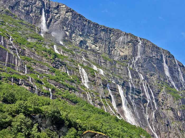 Водопад Vinnufossen