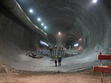 Топ 10 самых длинных тоннелей в мире