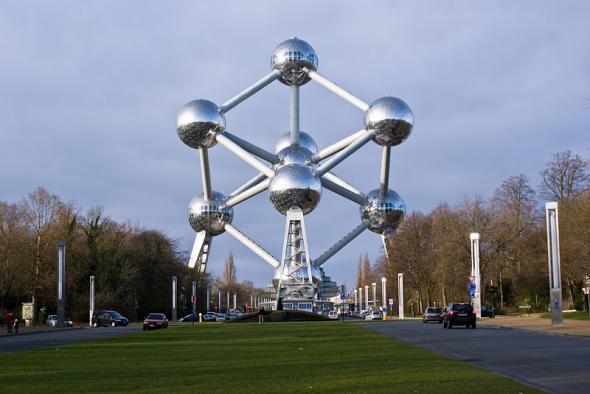 Здание Атомиум в Бельгии