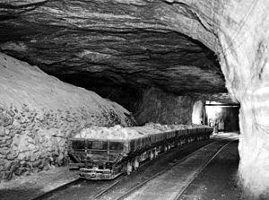 Топ 10 самых глубоких шахт в мире