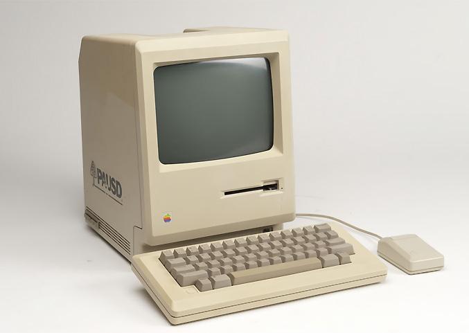 Первый компьютер Apple II