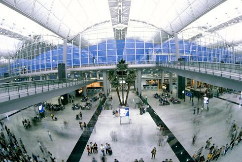 Международный аэропорт Гонконга. Китай