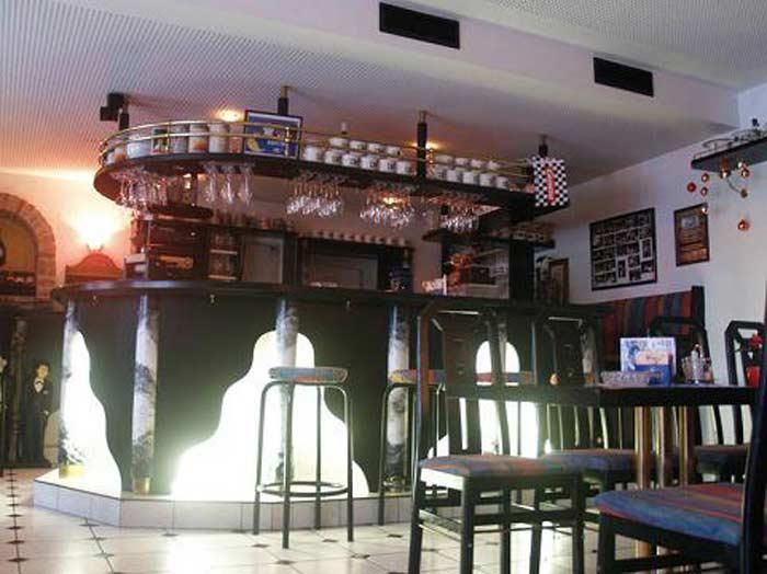 Das Klo Bar