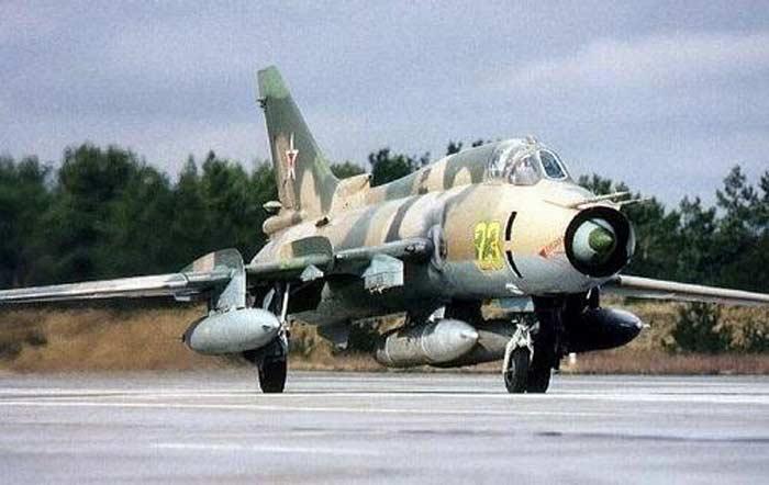 Самолет Су-17