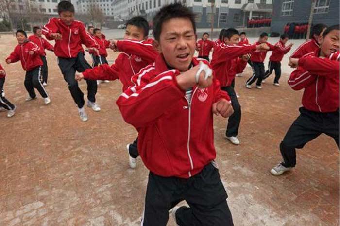 Четыре китайских подростка