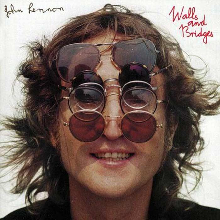 Джон Леннон в очках