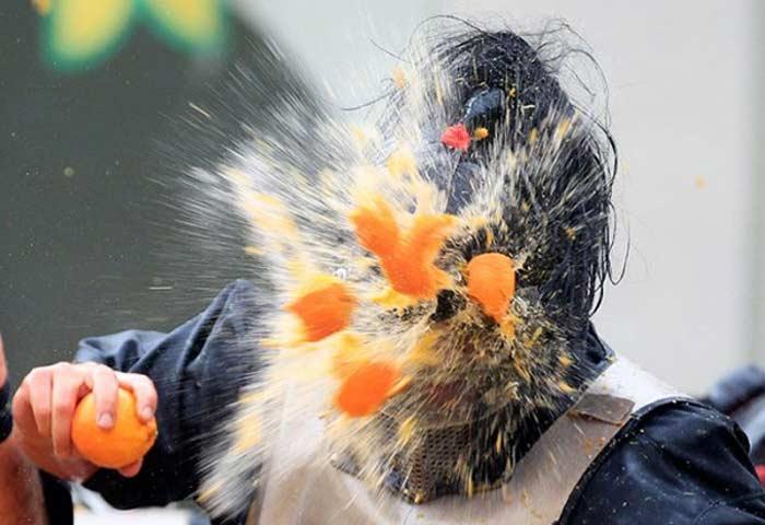 Перестрелка апельсинами в Ивреа