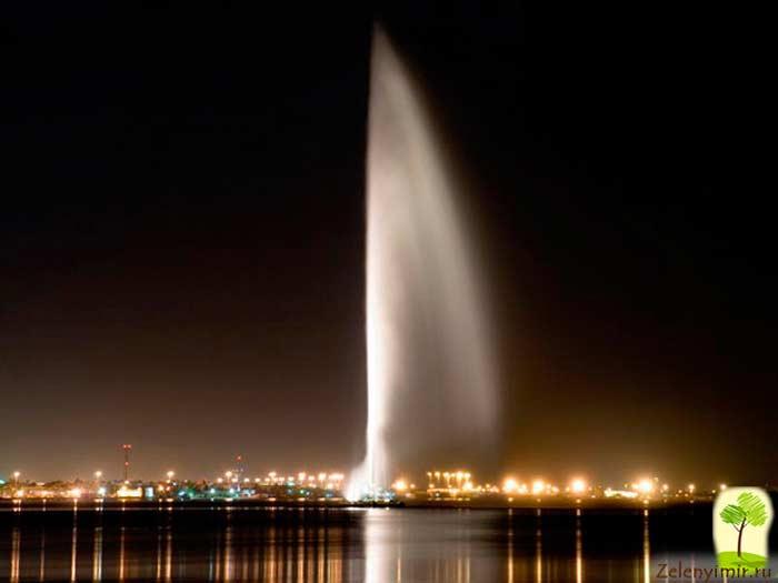 Фонтан короля Фахда в г. Джидда (Саудовская Аравия)