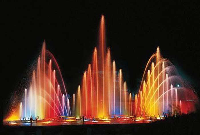 Поющий фонтан в Шардже (ОАЭ)