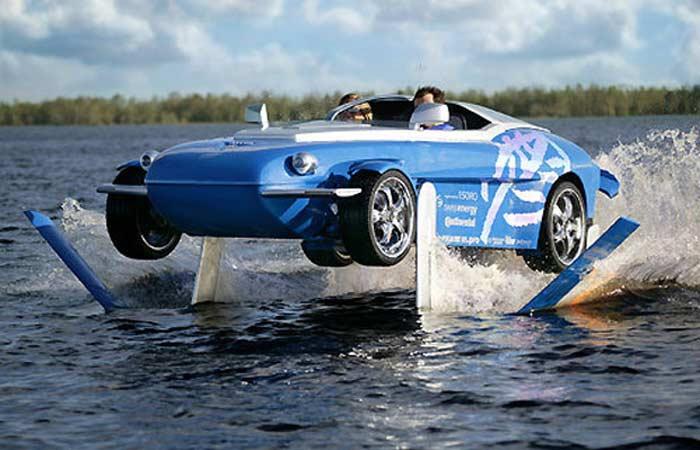 Фрэнк Риндеркнехт - создатель автомобиля-амфибии Rinspeed Splash потратил на покорение Ла-Манша чуть более трех часов