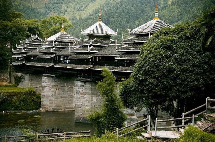Мост народности Донг - Мост Ветра и дождя (Китай)