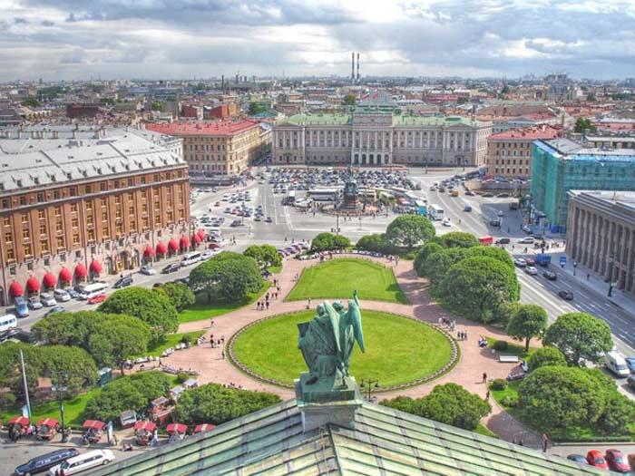 Самые большие площади России. Исаакиевская площадь