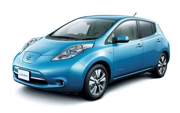 Топ 10 популярных электромобилей. Nissan LEAF
