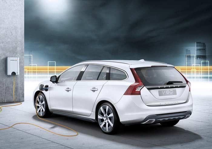 Топ 10 популярных электромобилей. Volvo V60 Plug-in Hybrid