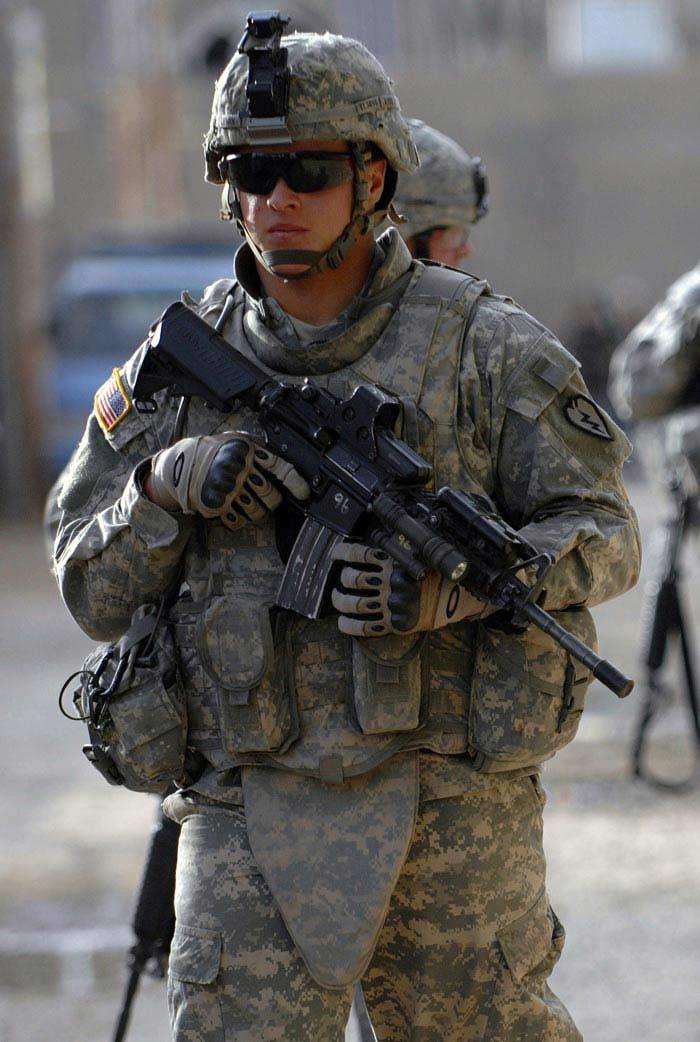 IOTV (Усовершенствованный тактический бронежилет наружного ношения)