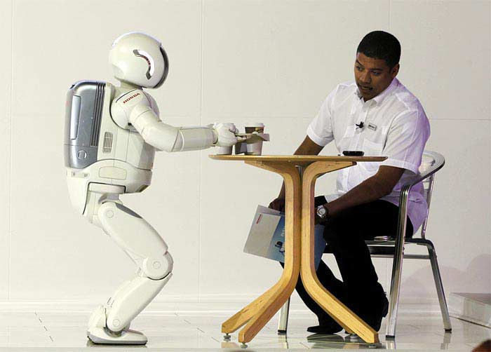 Робот – официант