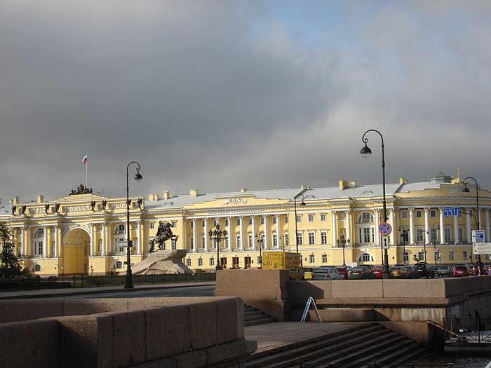 Самые большие площади России. Сенатская площадь, Санкт-Петербург