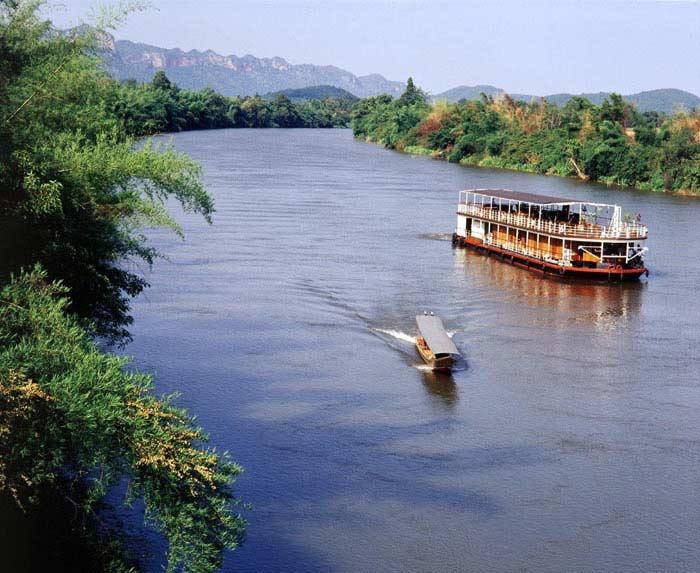 Нан, город и река (Таиланд)