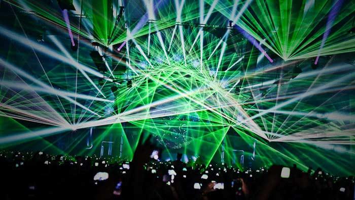 Крупнейшее лазерное шоу по количеству лазеров