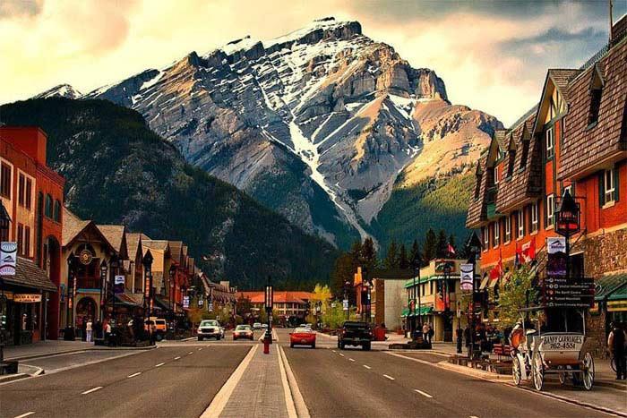 «Канада», в переводе с ирокезского, означает «деревня»