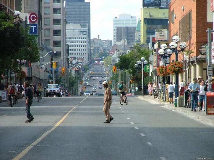 В Канаде находится самая длинная улица в мире