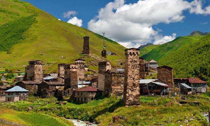 В списке Всемирного наследия ЮНЕСКО за Грузией зарегистрировано 2 архитектурных памятника:
