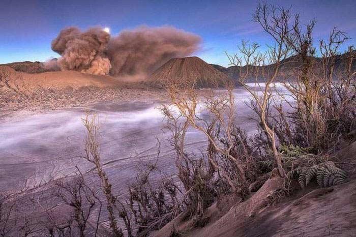 Индонезия расположена в «Кольце Огня»