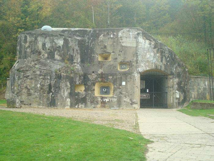 Бункер Эбен-Эмаель (Бельгия)