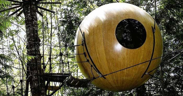 Домик в заколдованном лесу (Канада)