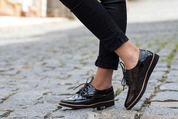 Запрет на ношение лакированных туфель