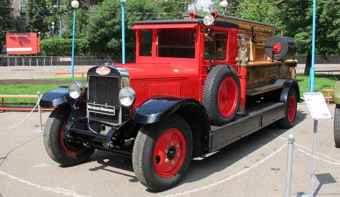 Пожарный автомобиль АМО-4
