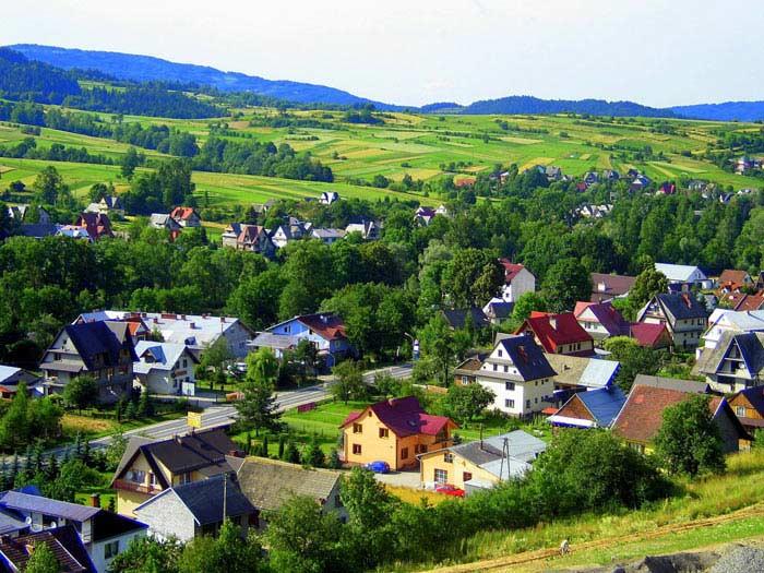 6 из 10 поляков живут в Польше