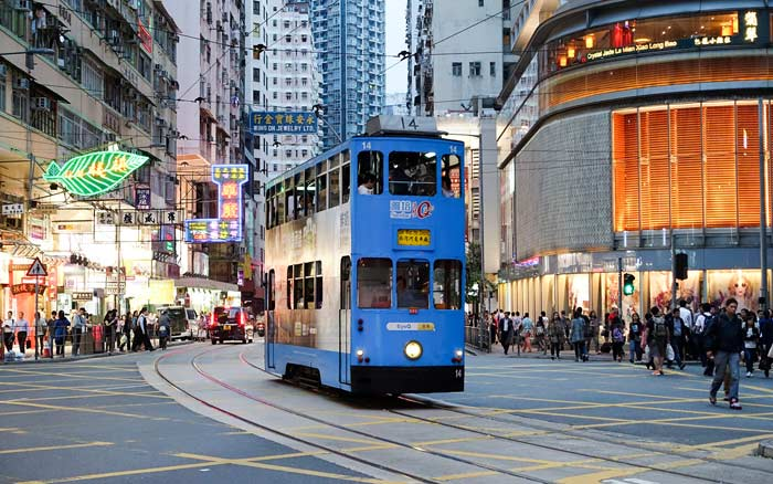 Двухэтажные трамваи Гонконга