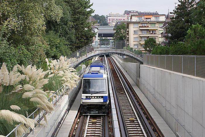 линия транспорта действует в Лозанне